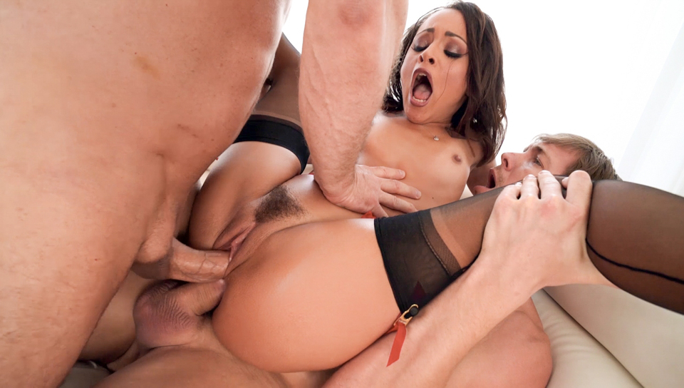 John Strong & Markus Dupree & Holly Hendrix - Holly's DP  Double-Anal Defiling