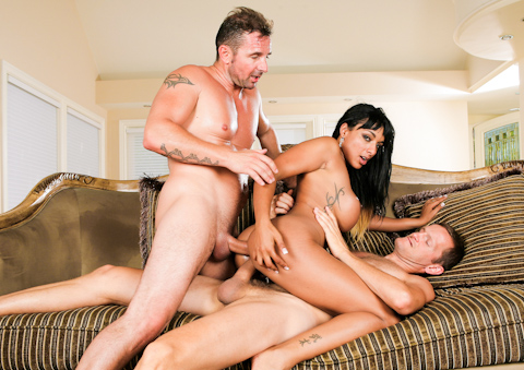 loona Lux gets her mouth, pussy and asshole rammed with cock