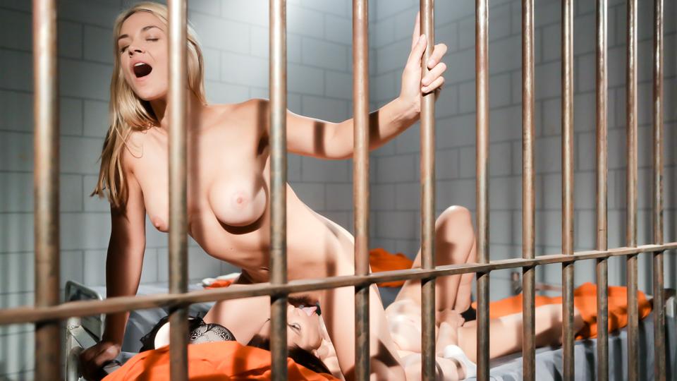 Sarah Vandella & Mindi Mink - Blondes  MILFs!