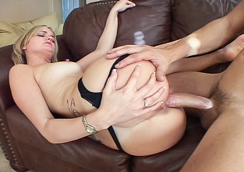 Nasty girl gets the thickest dick ever to please her pussy!