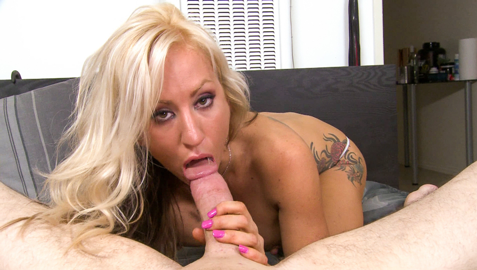 Zoey Portland just want to suck that cock until it cums!