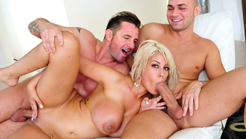 Cristian Devil & David Perry & Bridgette B. - Big Tit Crackers