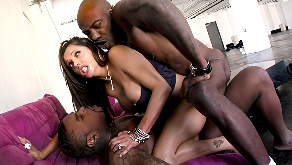 Girl Caught Between 2 Big Black Cocks! Double Penetration!