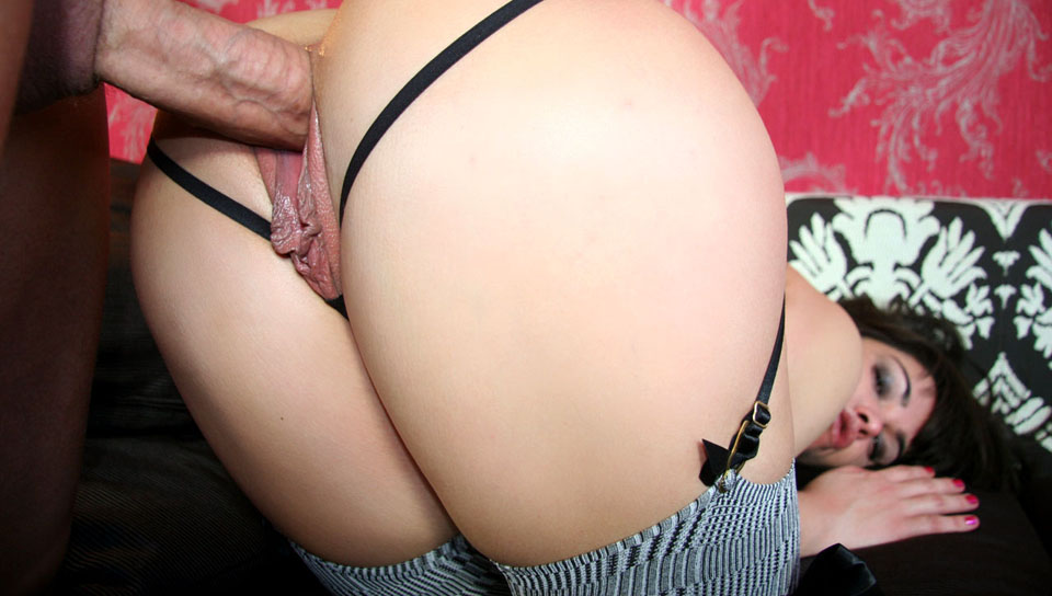 Horny slut always wanted to fuck Nacho & she finally did it!