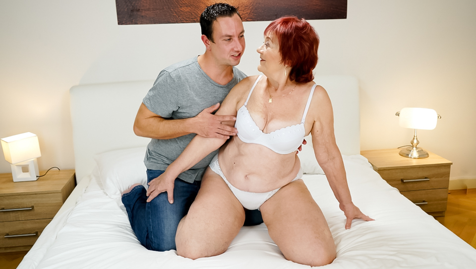 Knitting granny Marsha gets pounded by younger stud Rob