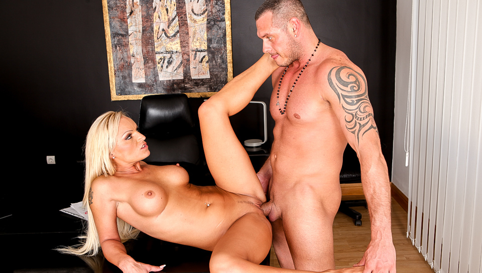 pass preview for  members.evilangel.com