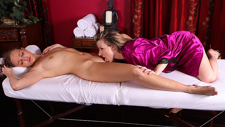 I Didn't Expect That – Lesbian Massage