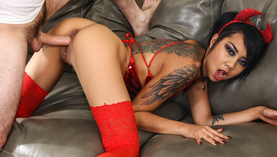 Squirts - Tommy Pistol & Kimberly Chi