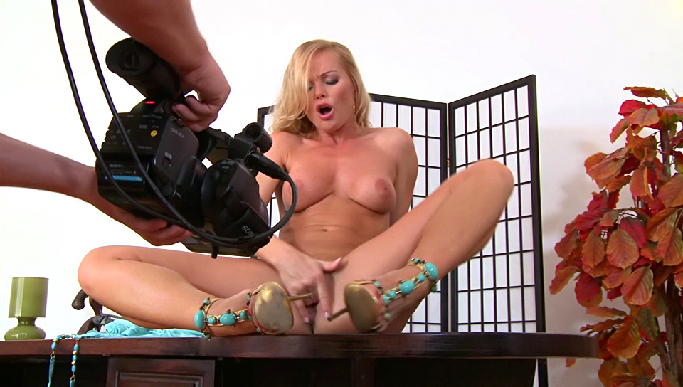 Naughty Silvia Saint rubs her beautiful & shaved pussy !