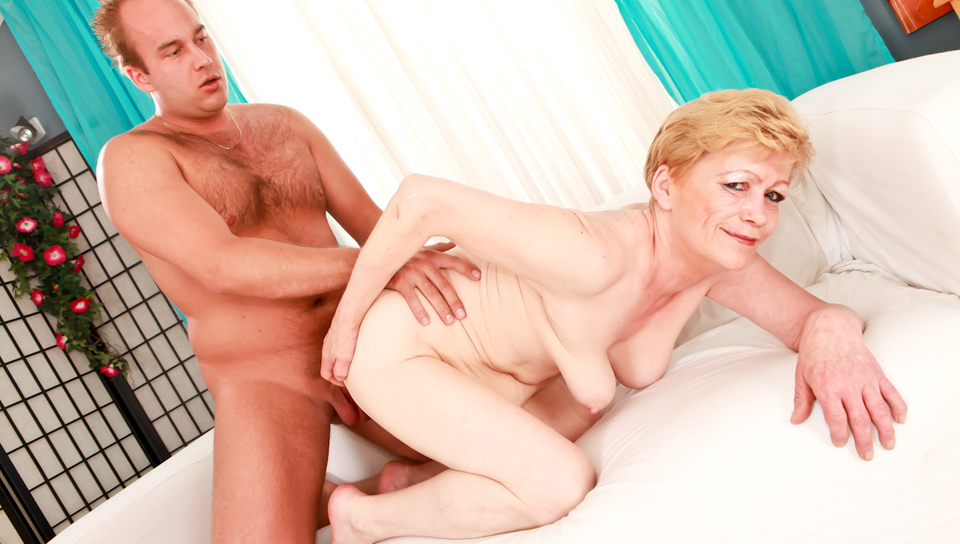 Sexy blonde granny sucks mean cock, getting ready to fuck!!