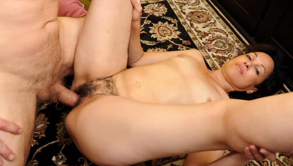 Elektra Lamour - Your Mom's Hairy Pussy #13