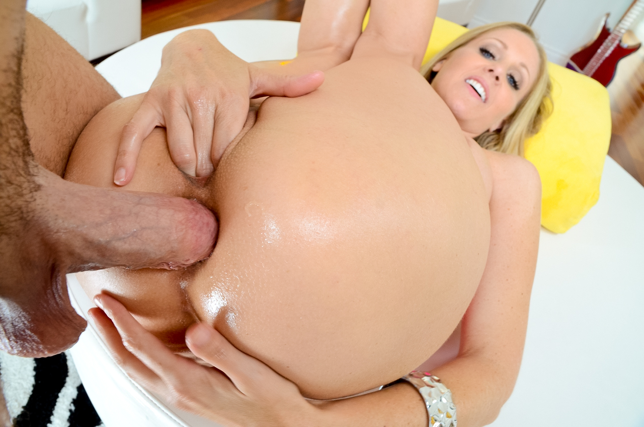 Hot blonde gets her horny ass filled with stud's cock !