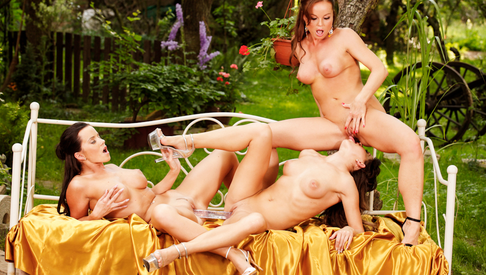 Silvia Saint - Silvia And Friends Hot Outdoors Threesome