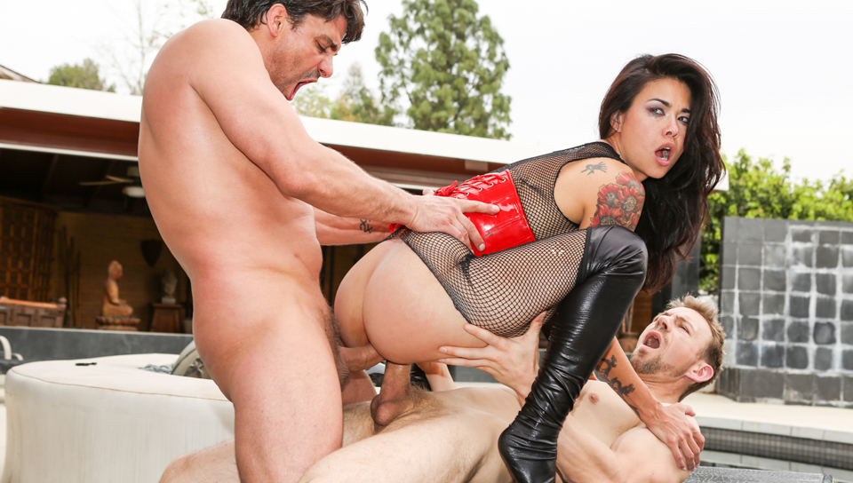 Perfect Slaves #4 - Dana Vespoli & Toni Ribas & Erik Everhard