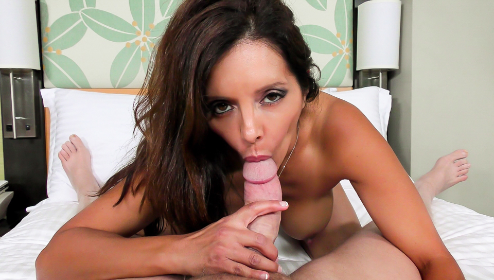Mark Wood & Francesca Le - MILF de las Vacaciones de la Wake-Up Blow Job