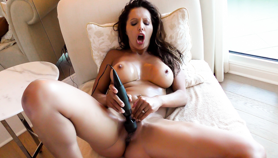 Naked, Tanned MILF's Oily Masturbation - Francesca Le