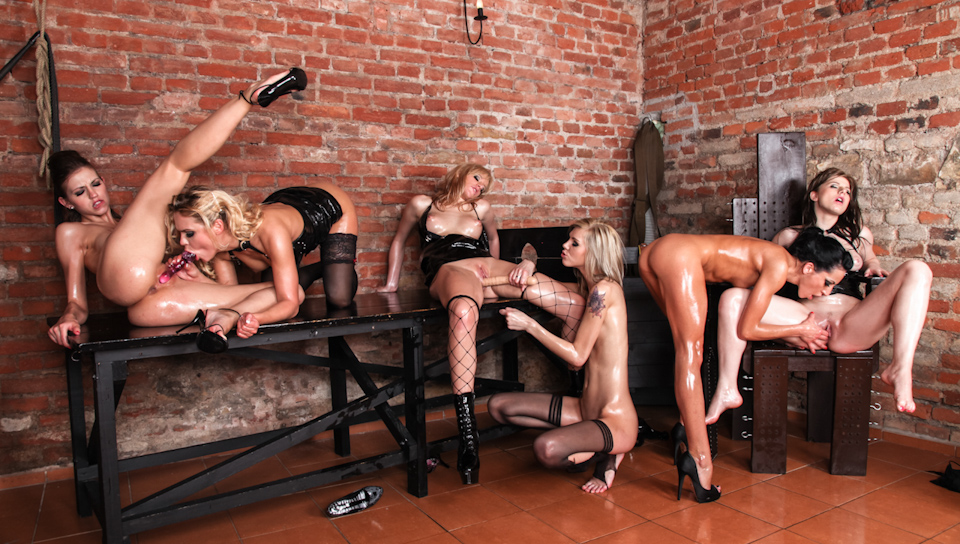 HD Lesbian Seduce Lesbian Oil Orgy 02