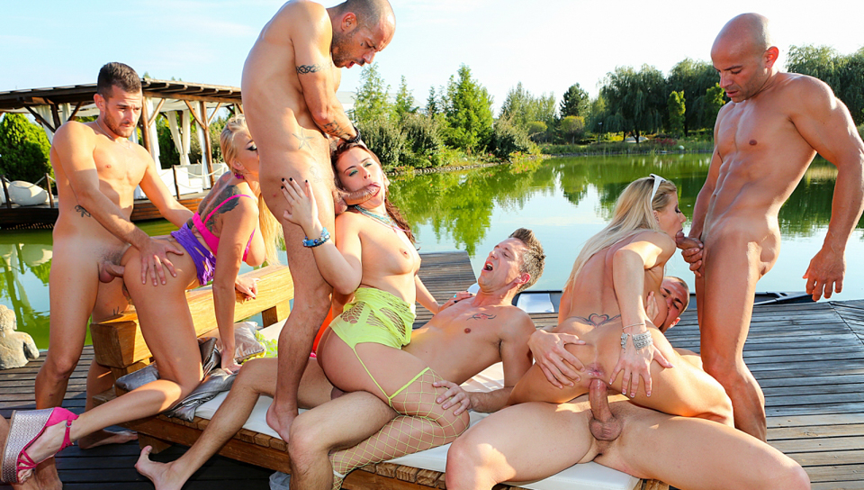 Rocco Siffredi & Mike Angelo & Kayla Green - Porn Camp: Outdoor Orgy!