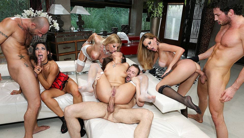 Rocco Siffredi & Mike Angelo & Erik Everhard - Porn Camp: Blindfolded Orgy!