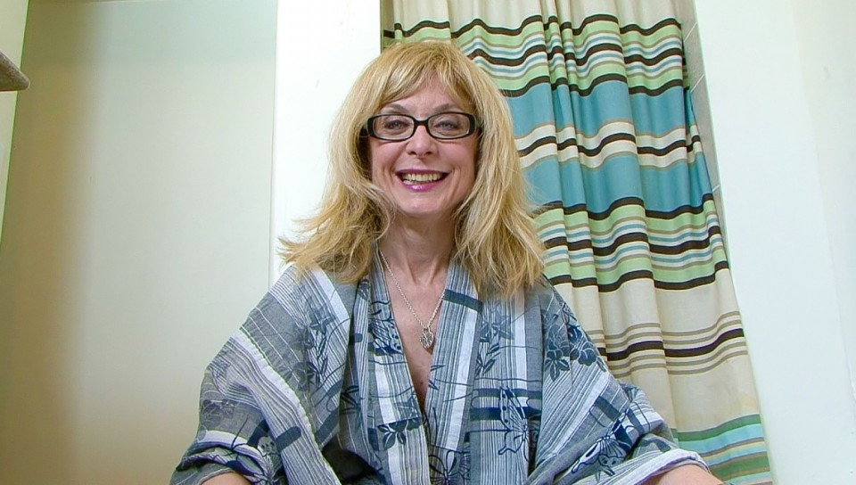 BTS-Cougar's Prey Volume 06 - Nina Hartley