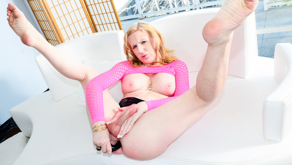 She puts toys in her ass that makes her cock harder to cum!