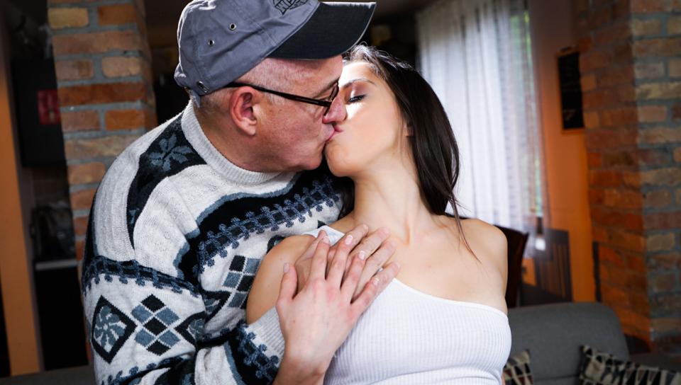 Keep Me Hot - סרטי סקס